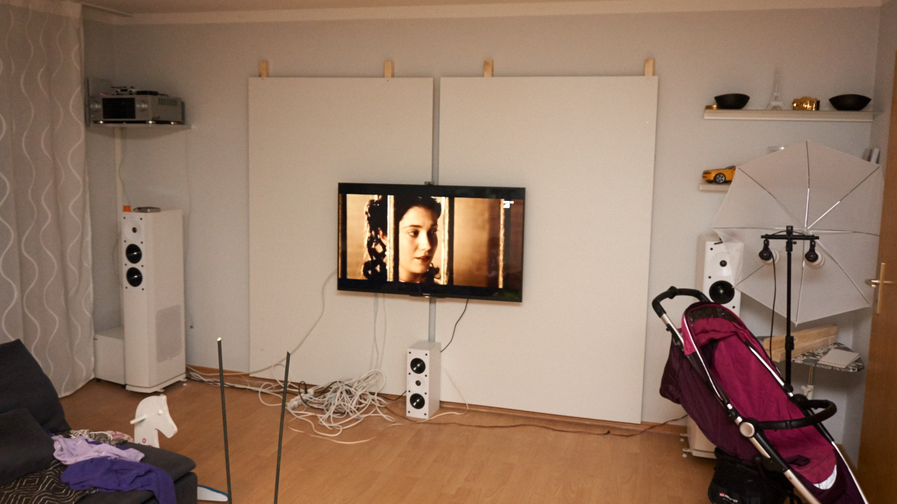 tv wand selbstgemacht sony. Black Bedroom Furniture Sets. Home Design Ideas