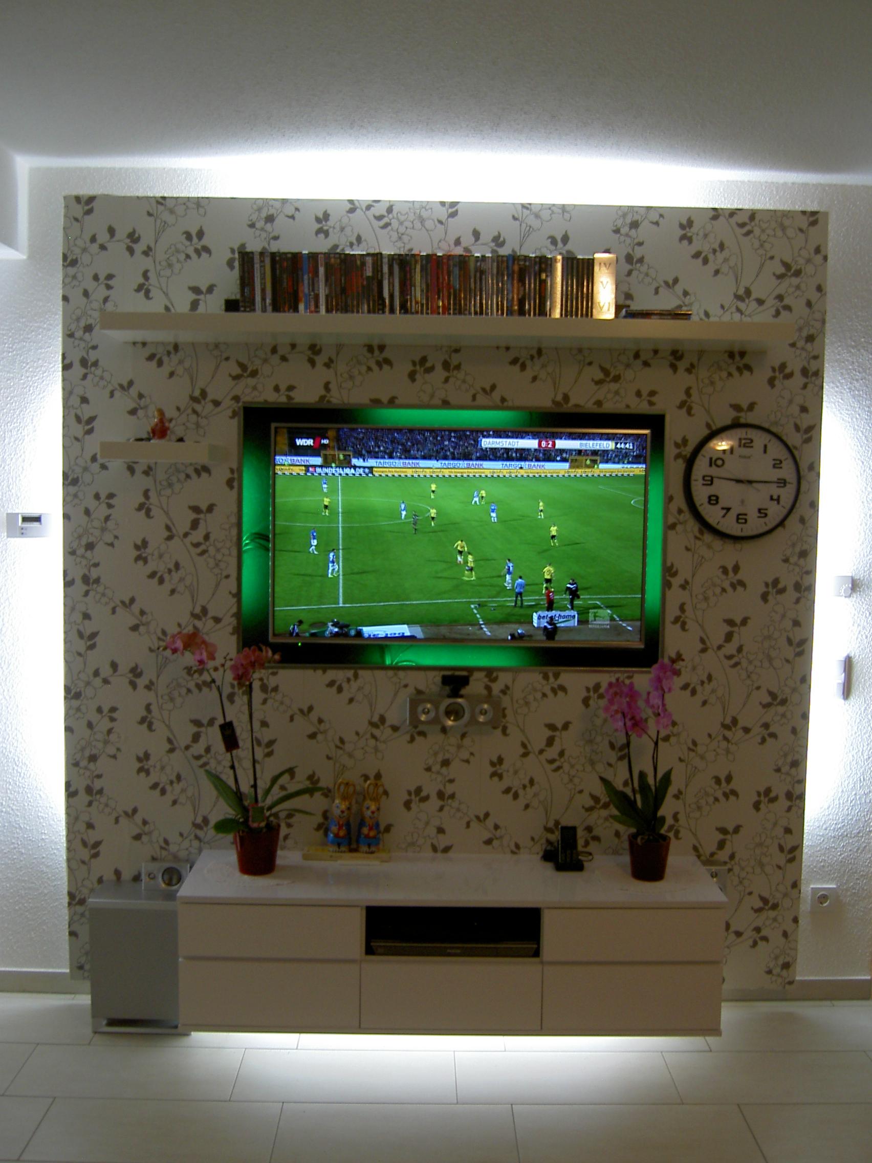 kallax tv wand in der Wand verbaut