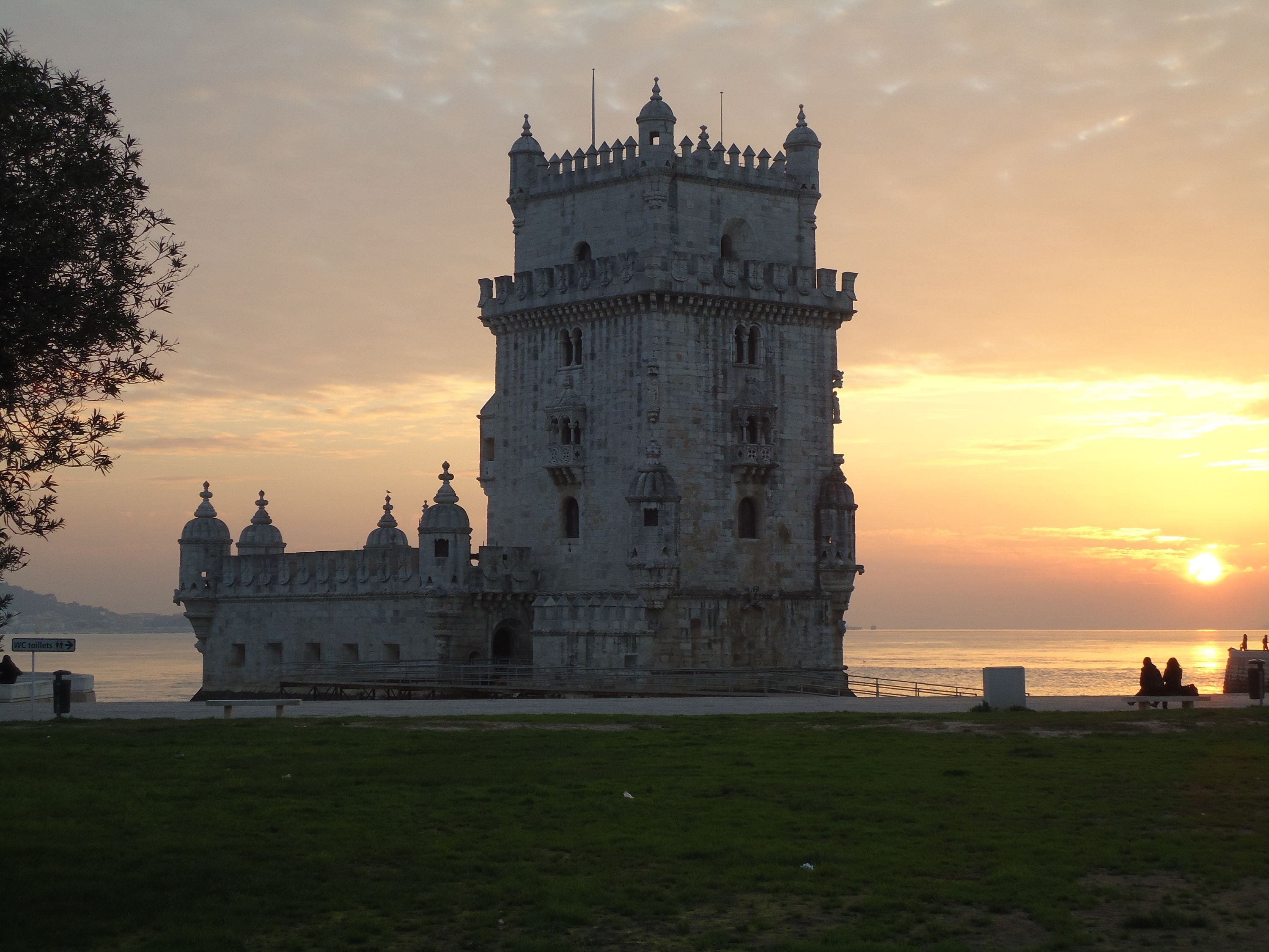 lisbon chat sites Work in flanders 2018 - lisbon will take place both online - on the european  watch live presentations as well as chat with employers and eures advisers on.
